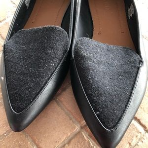 NWOT Grey Pointed toe flats